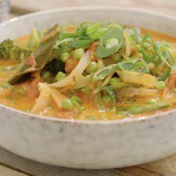 Stoofpotje van vis en mosseltjes met Thaise curry