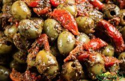 Koningsolijven tomaat basilicum prijs /100g.